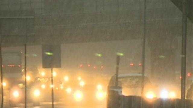 Light snow 128 night, traffic