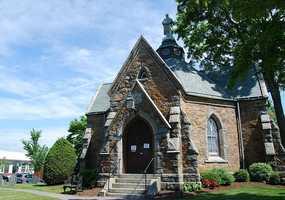 1. (tie) The Foxborough Regional Charter school district had a 100 percent graduation rate in 2012