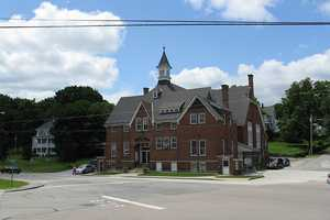11. (tie) The Blackstone Valley Regional Vocationalschool district in Upton had a 97.8 percent graduation rate in 2012