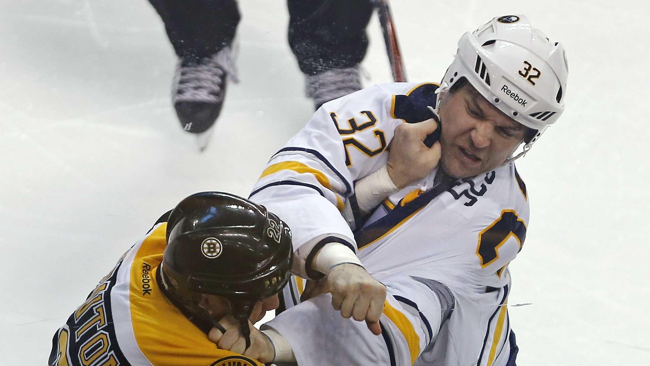Shawn Thornton fight vs. Buffalo