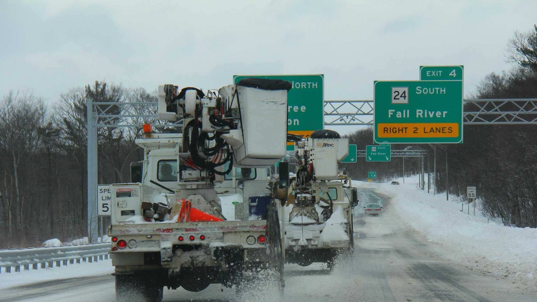 Power Crews on I-93 Fall River.jpg