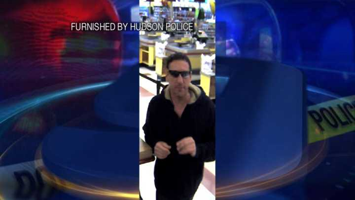 Man obtains gift cards as police detective impersonator