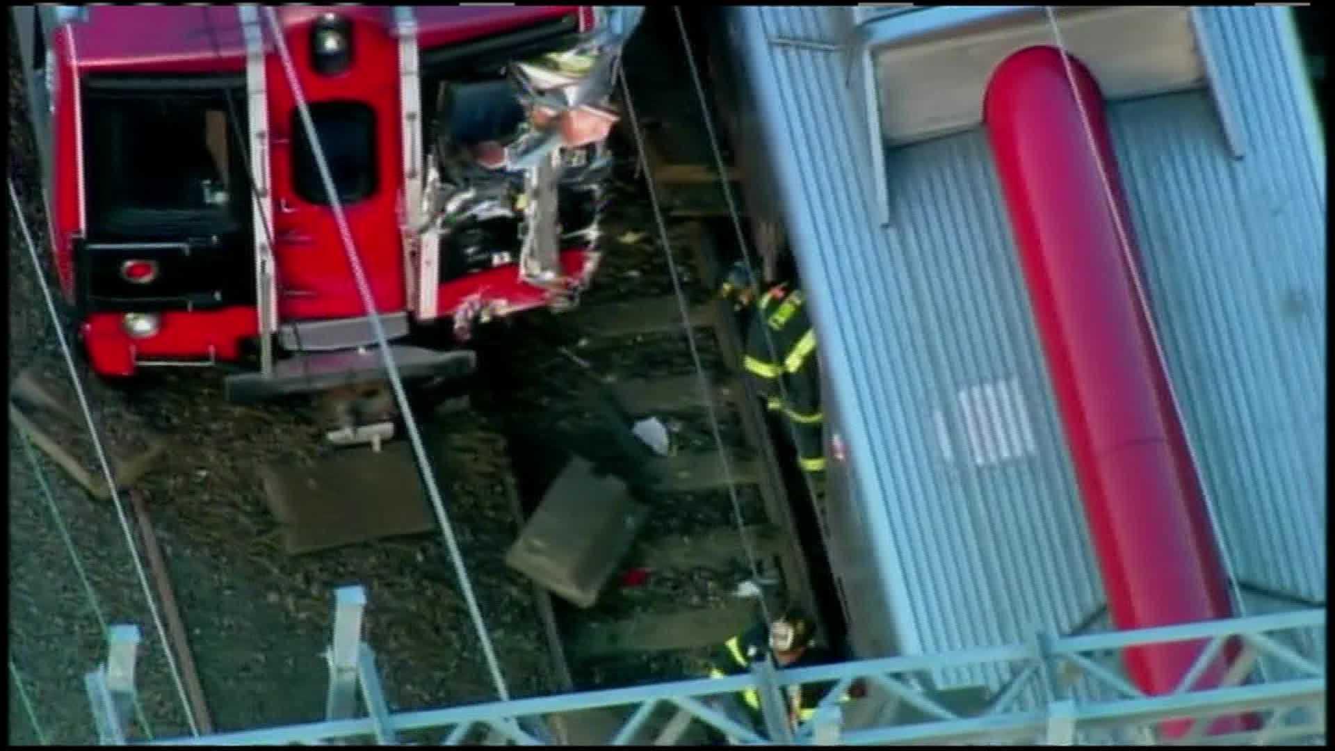 Metro-North-New-Haven-Crash (2).jpg