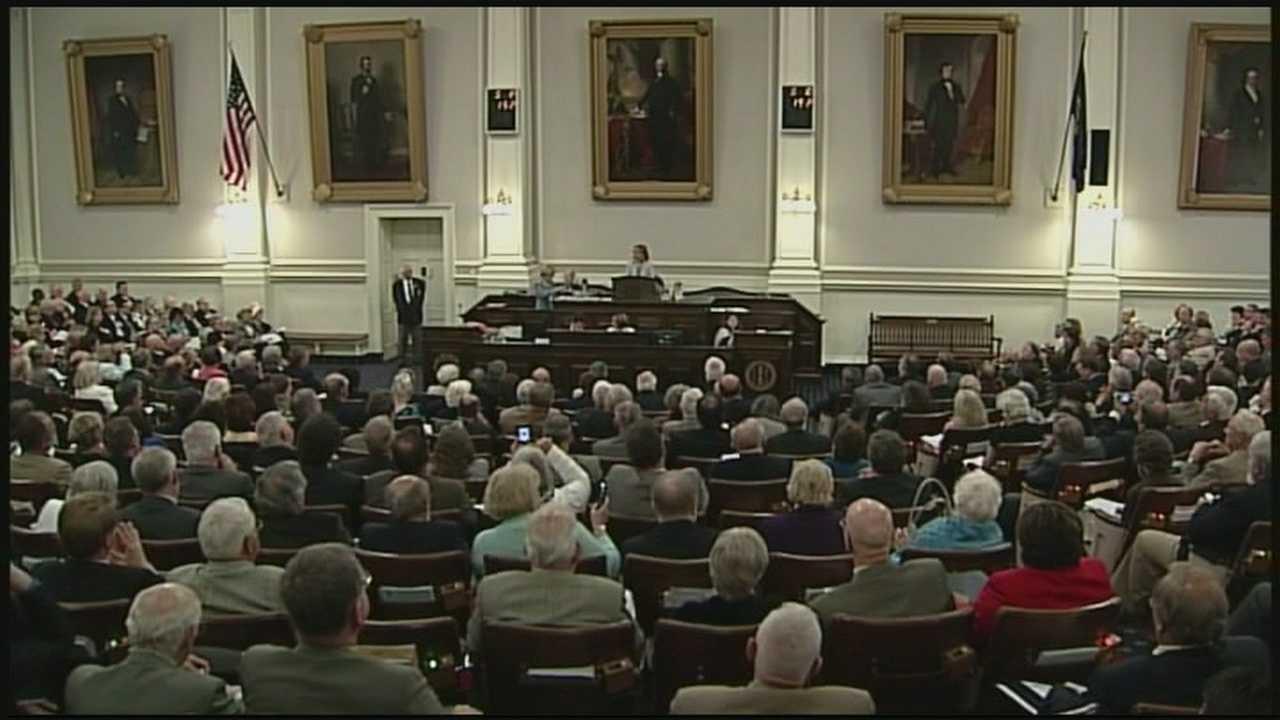 Casino vote deals blow to governor's budget