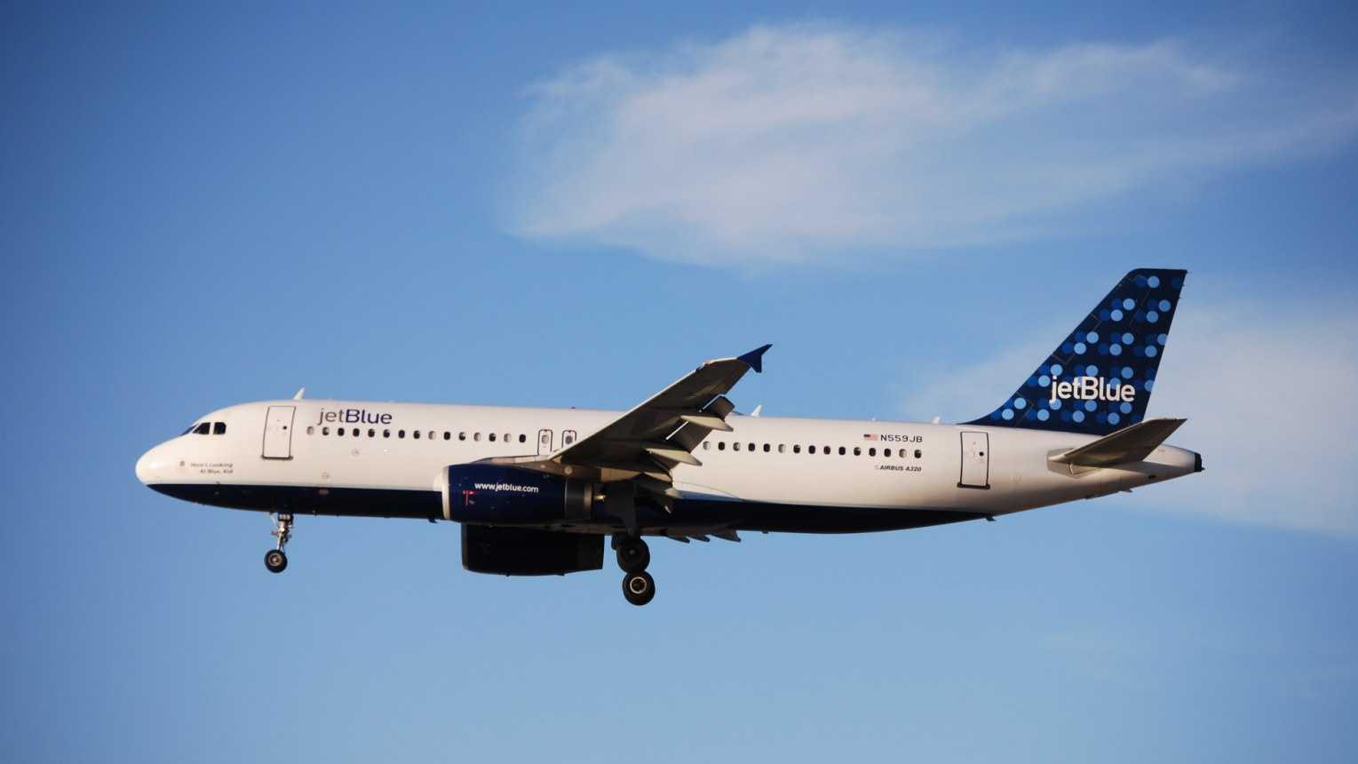 JetBlue Generic Plane 060713 PubDomain.jpg