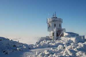 The lowest recorded temperature at the summit was -47 degrees Fahrenheit&#x3B; the highest was +72 degrees.