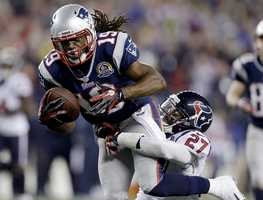 In 2012, the Patriots signed wide receiver Donté Stallworth