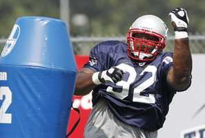 In 2011, the Patriots signed defensive tackle Albert Haynesworth.