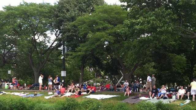 Spectators along the banks
