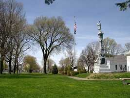 #37 In Belchertown, the median income for men is $49,554. For women, it is $20,669. That is a difference of $28,885.