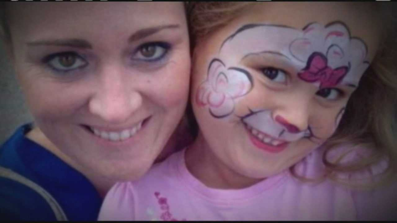 Shauna Hadden and daughter Ava Machado
