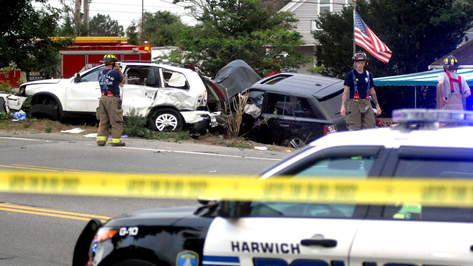 Police pursuit ends in crash in Chatham