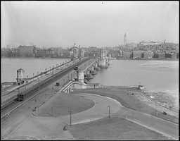 The Longfellow Bridge from Cambridge in 1923
