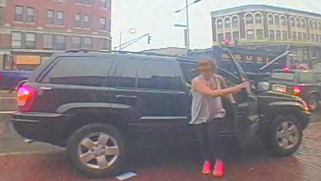 Amy Lord getting out of SUV