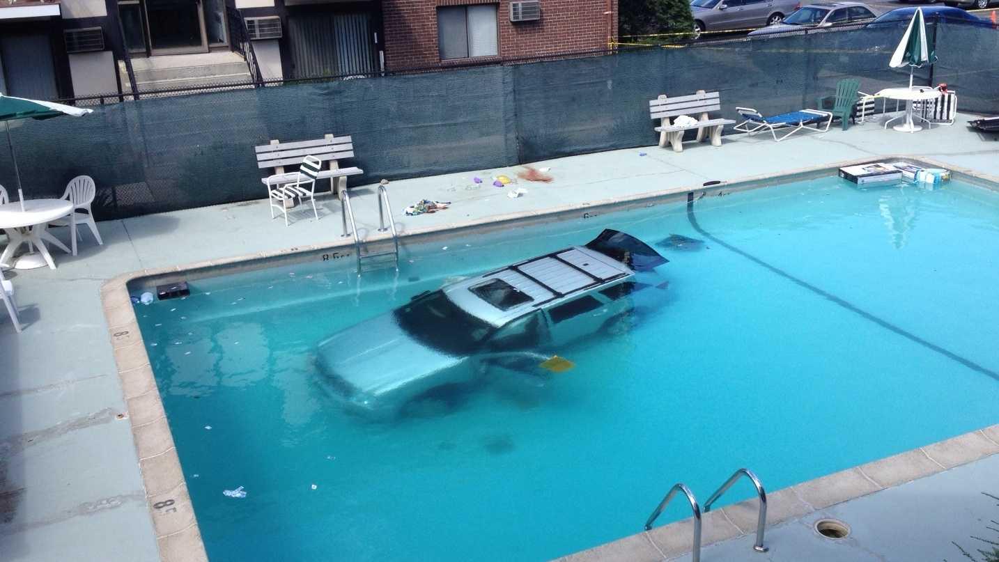Car into Randolph Pool 081413.JPG