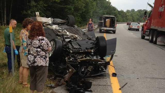 1 killed in I-93 car crash in Canterbury
