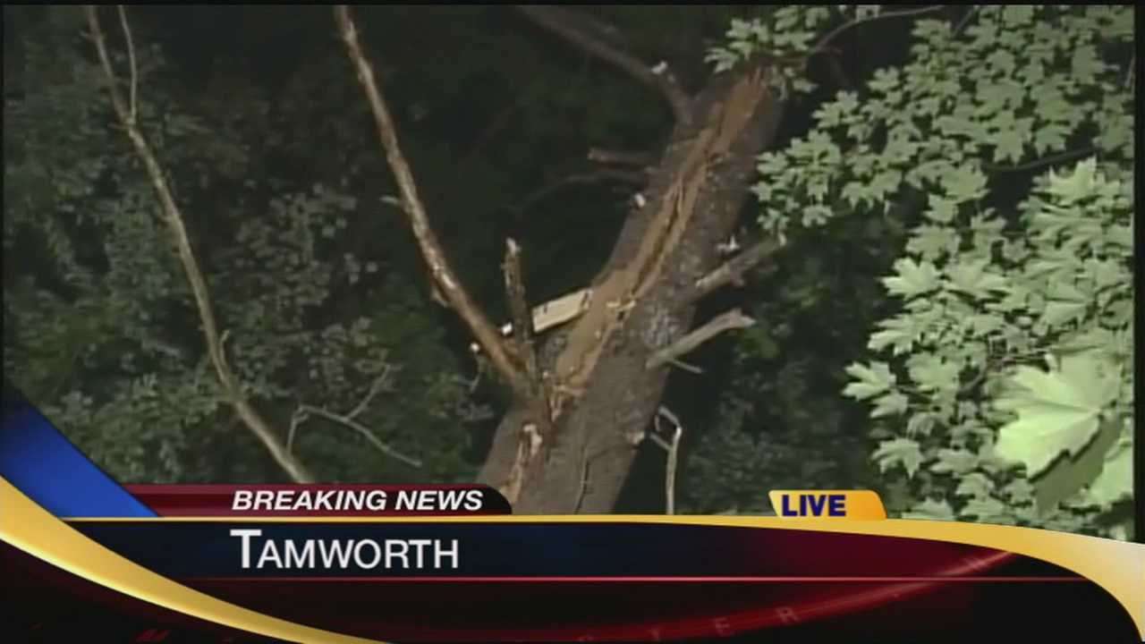 2 people hit by lightning in Tamworth
