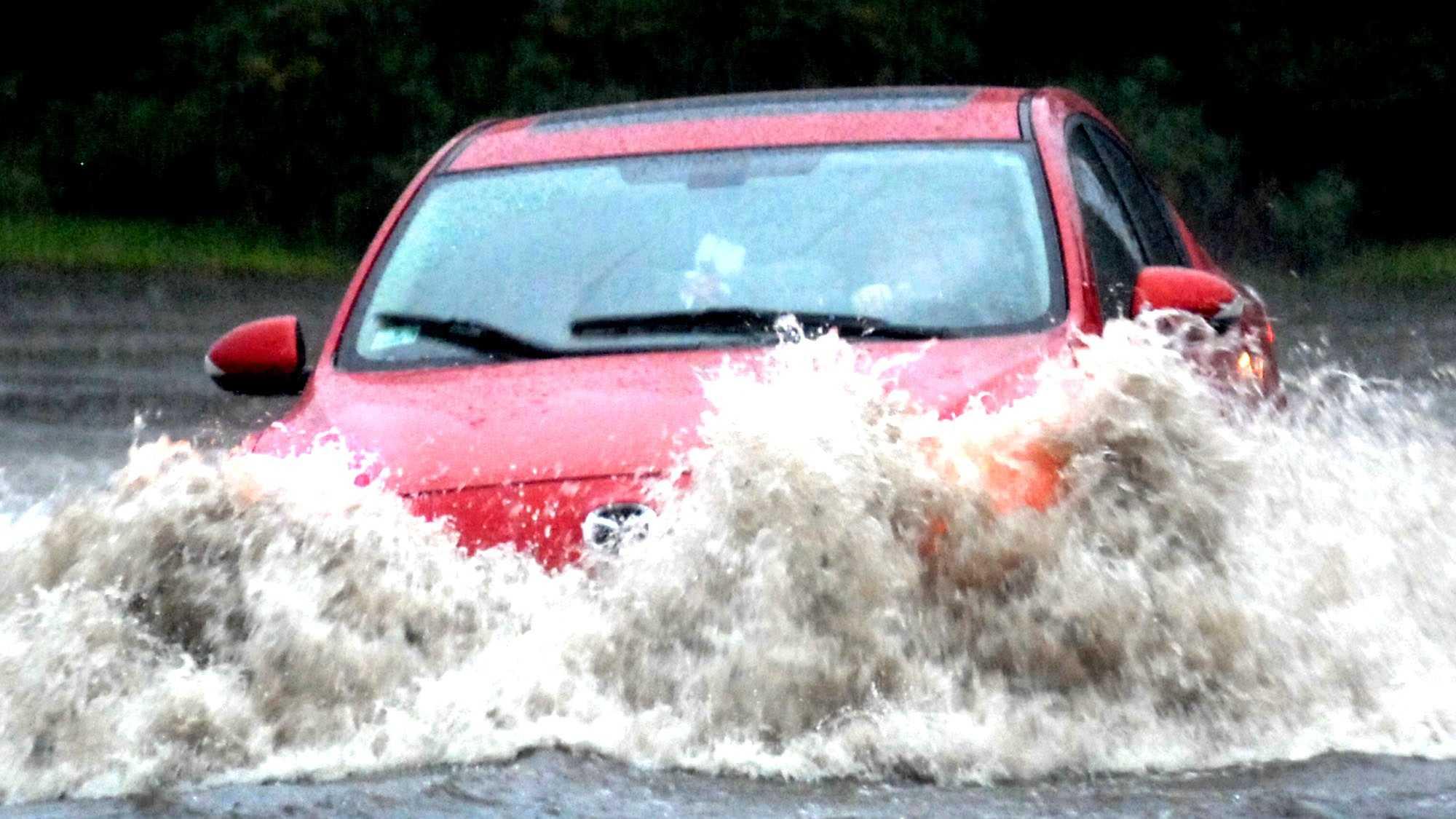 Sandwich Street flooding 090313