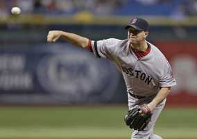 On Aug. 3, Peavy had a winning debut as the Red Sox defeated the Arizona Diamondbacks 5-2.