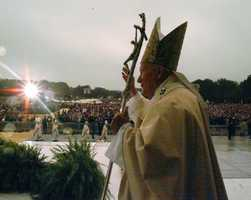 Another memorable assignment for Liz was her coverage of Pope John Paul II's last visit to New York City.