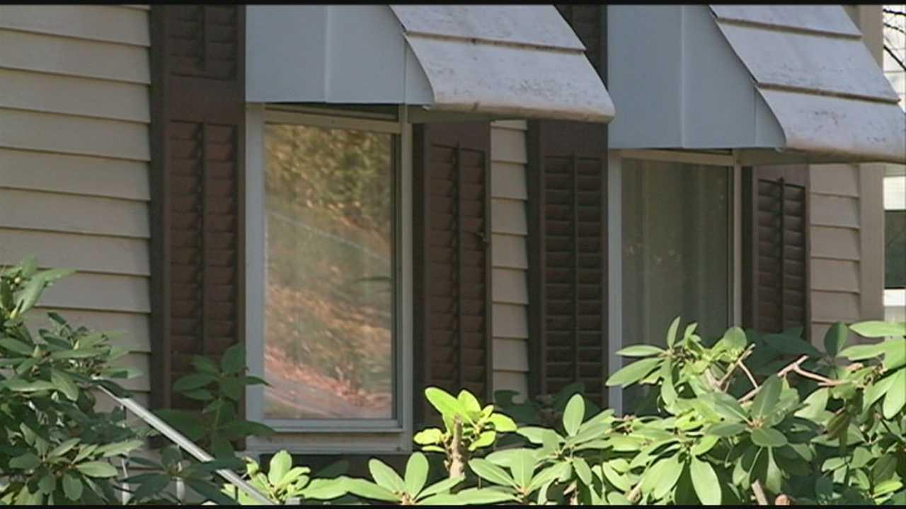 81-year-old man struggles with burglar