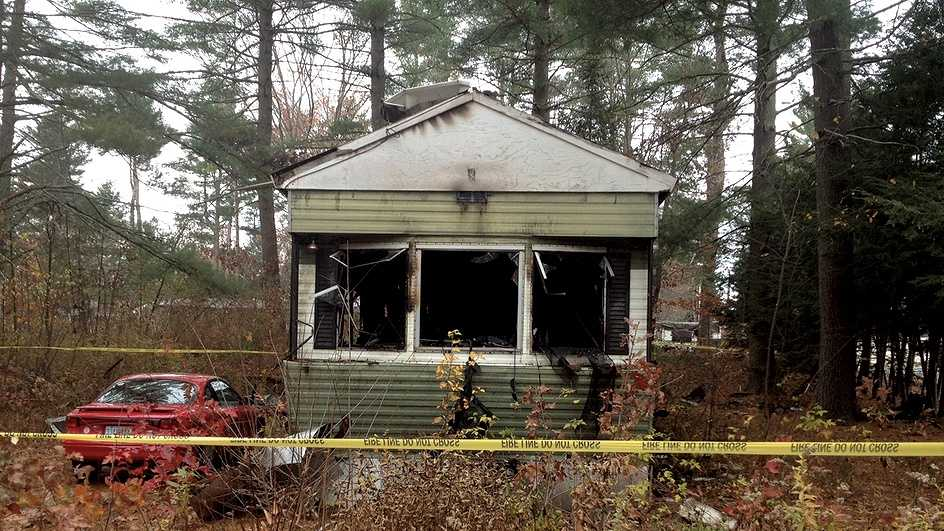 Raymond house fire kills 1