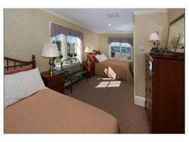 Additional 2 bedrooms have 2nd staircase and private study
