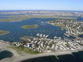 Suffolk County's top 5% accounts for25%of the county's income.