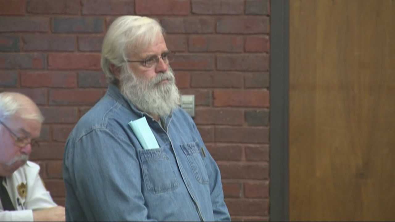 Mall Santa accused of assaulting co-worker