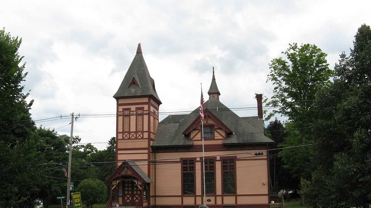 Brimfield Massachusetts.jpg