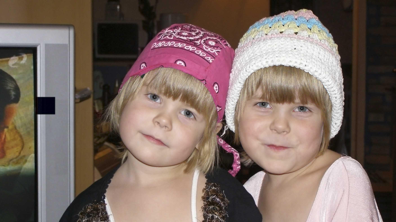 Twin Girls 120213