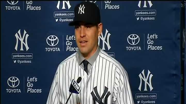 Jacoby Ellsbury Yankees 121313 (2).jpg