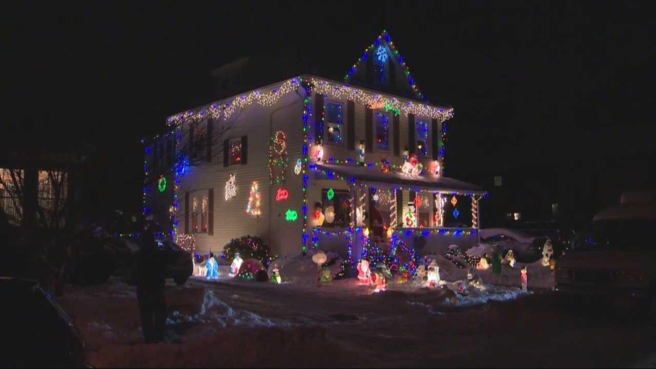 Christmas decoration battle