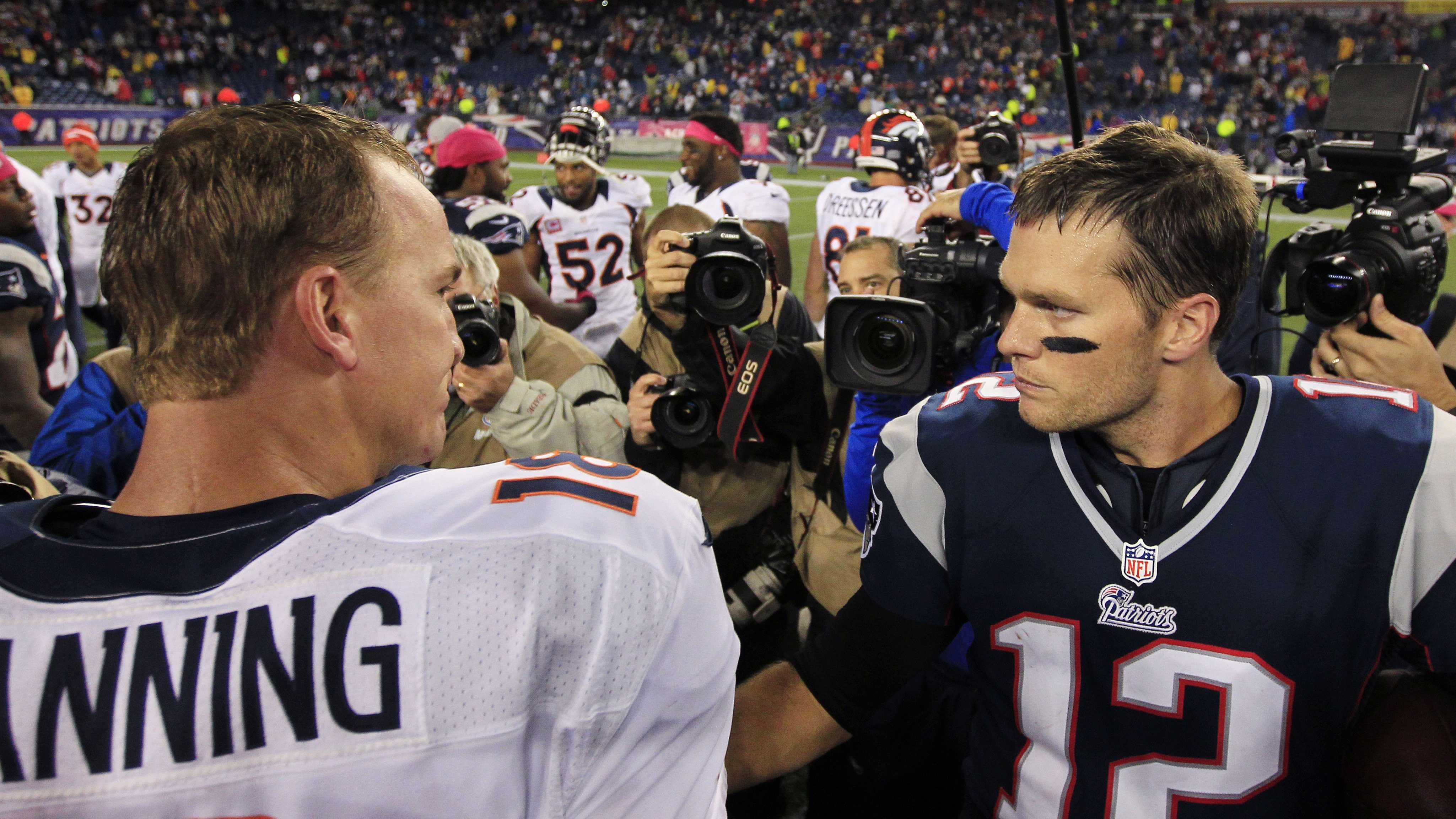 Tom Brady clapping
