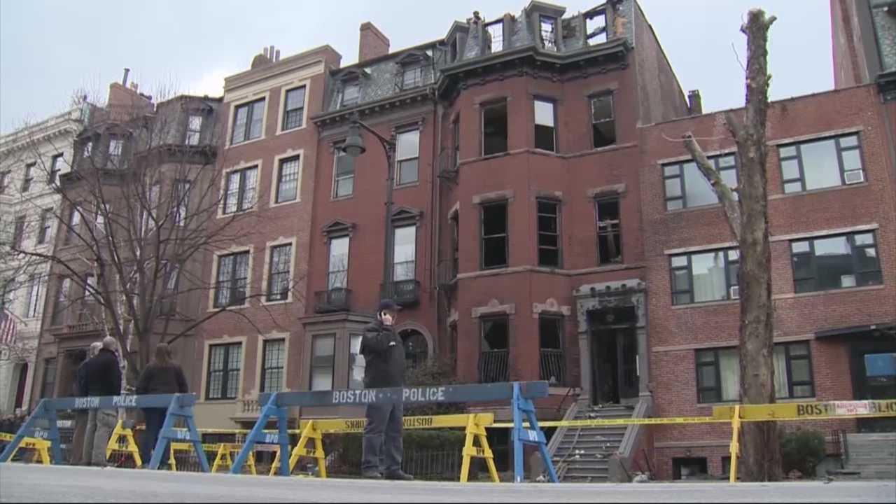 img-Smoke alarms still ringing around fire damaged Back Bay apartments