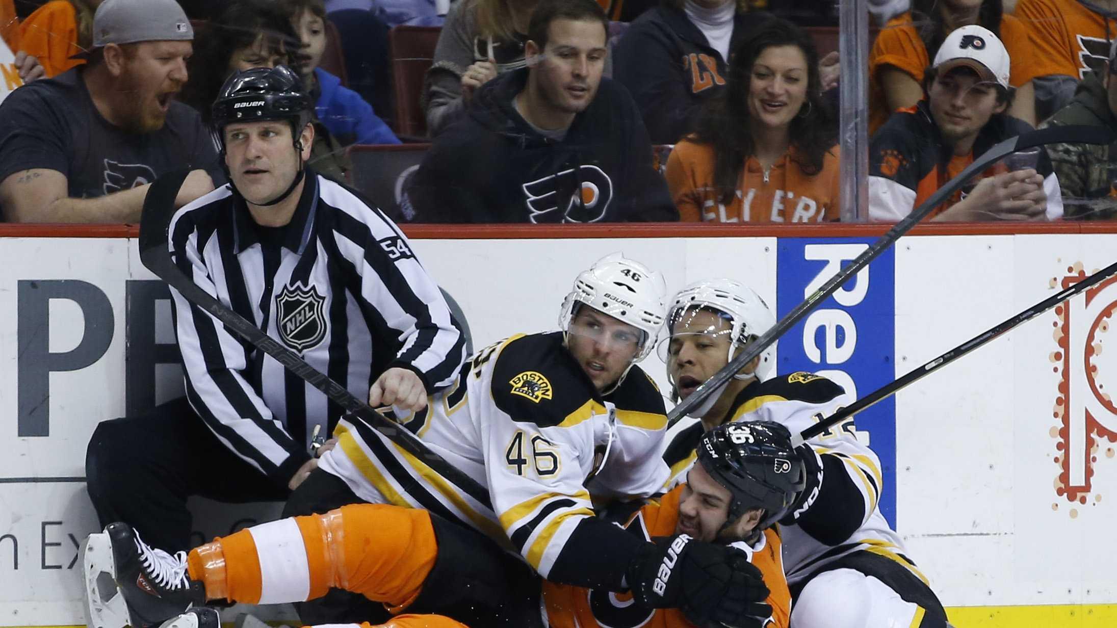Bruins Flyers 033014.jpg