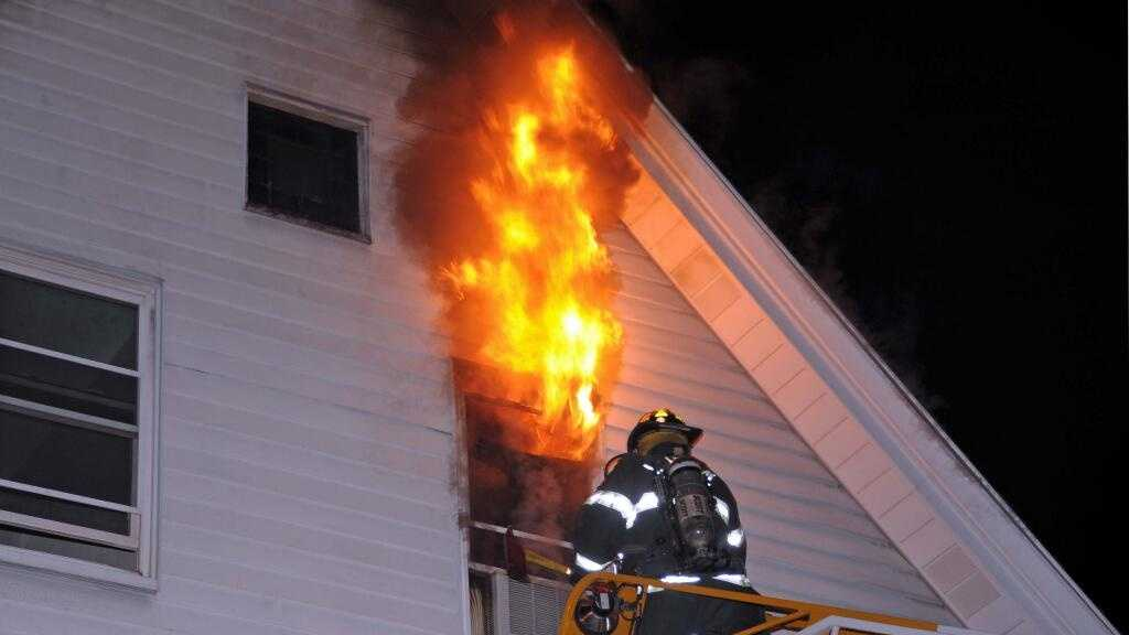 Waltham fatal fire WL photo 4.4.14