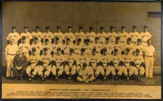 Oversized 1946 Boston Red Sox team photo (American League Champions).