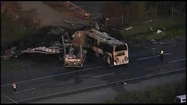 Bus crash 4.11