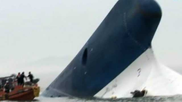 S. Korean ferry sinks 6