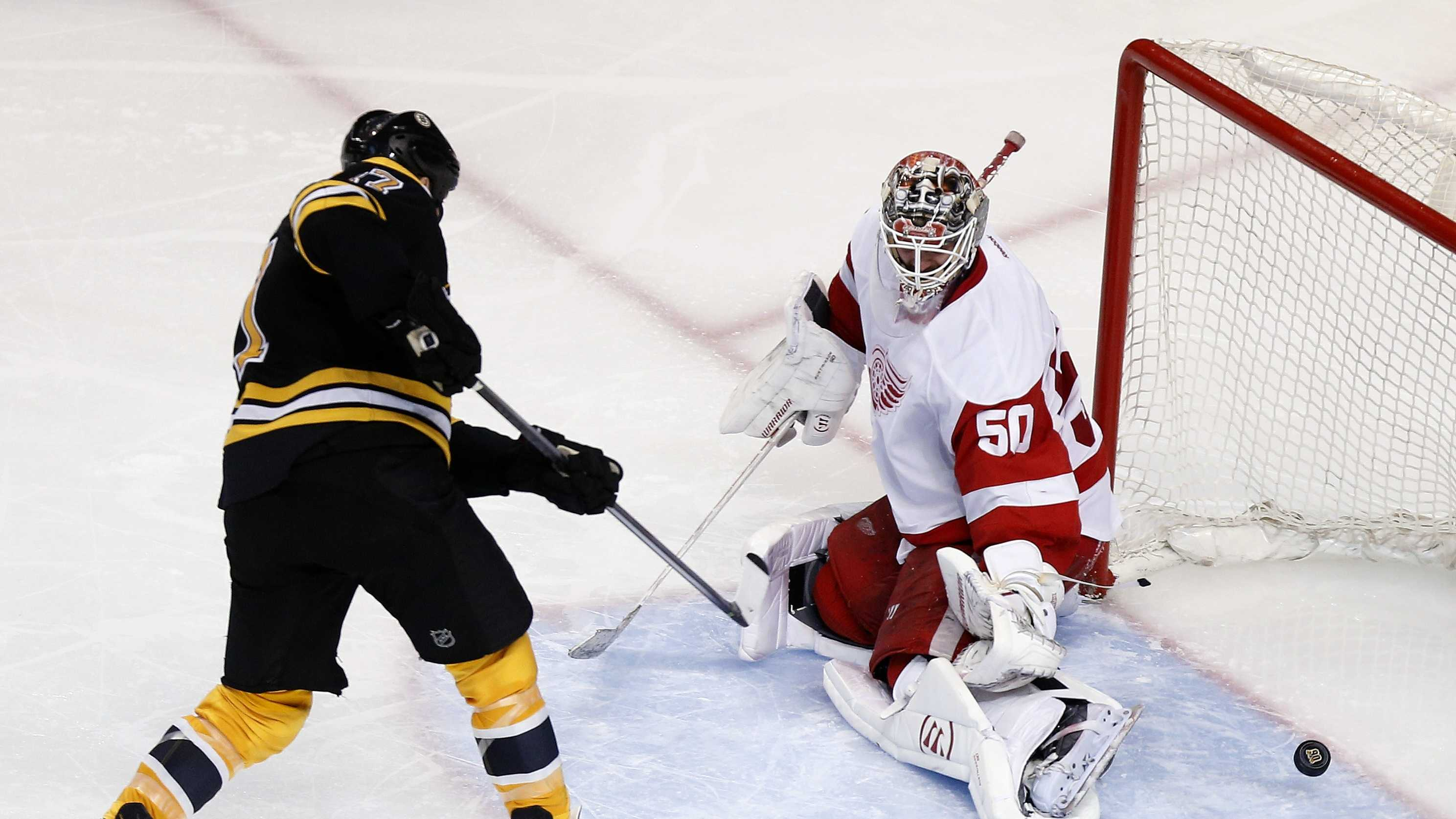 Bruins Lucic red wings 042614