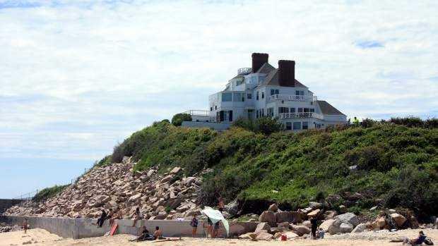 Taylor Swift Rhode Island Home 6.18.14