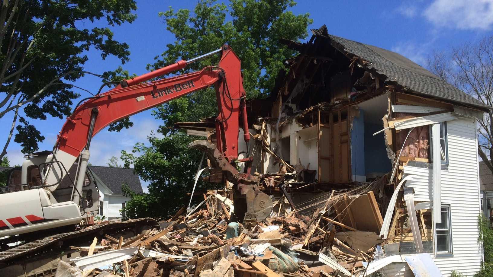 amesbury excavator 062614