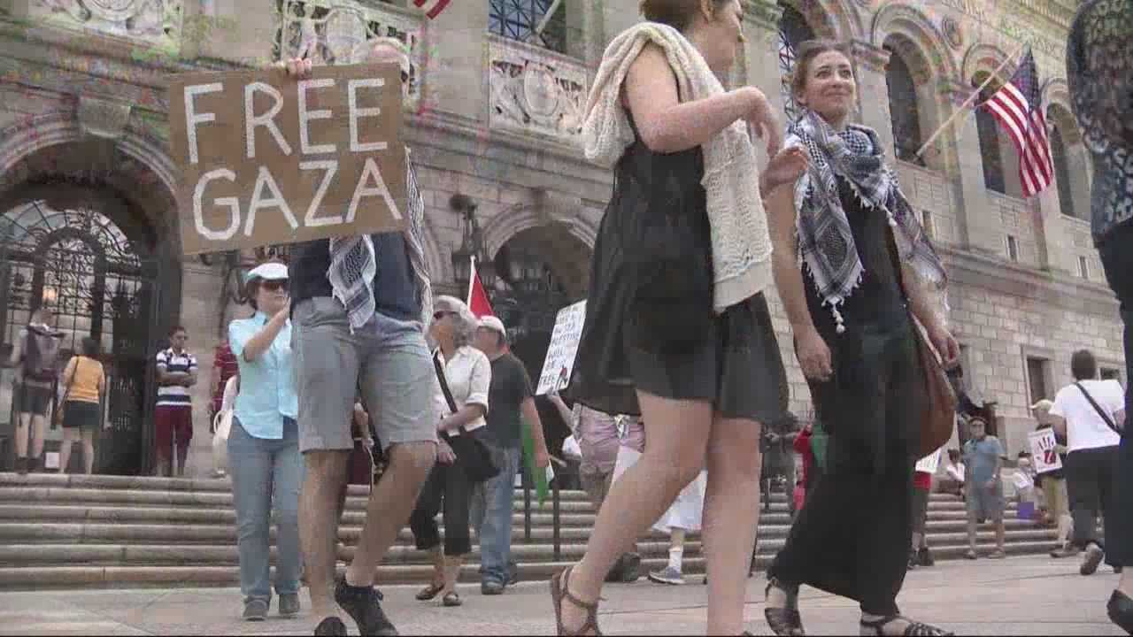 Local supporters of Israel, Gaza rally in Boston