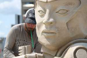 """""""Always look for something impressive, different and incredible from this very talented sculptor,"""" the event organizers said."""