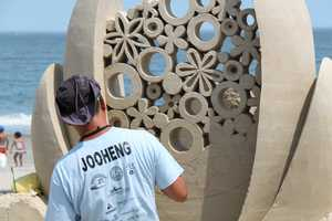 Hailed as Vincent Sand Gogh by the Dailymail UK, Singapore sculptor Jooheng Tan fell in love with the art of sand sculpting in the late 90s.