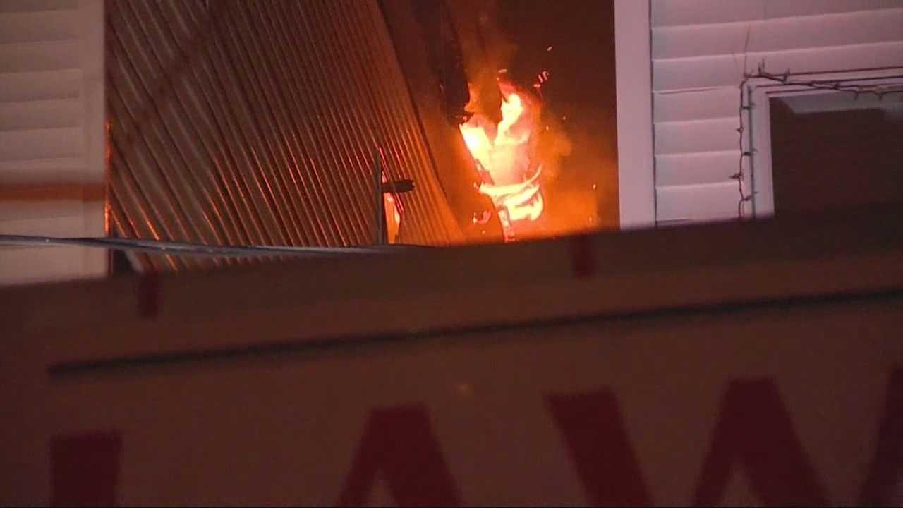 Firefighters battle 4-alarm blaze