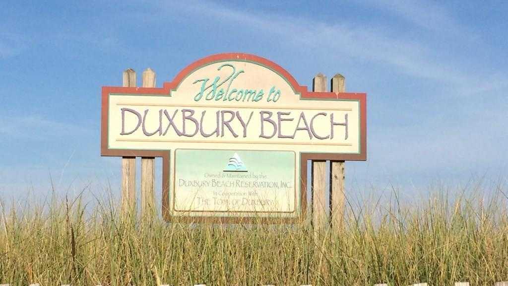 Duxbury Beach Sign 0828.jpg