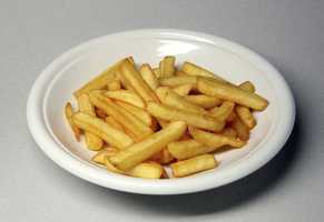 At 25 grams of fat, 500 calories, and over 63 grams of carbohydrates, a large serving of French fries can wreak havoc on blood sugar