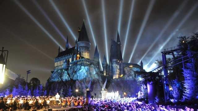Universal Orlando Resort Hogwarts at Night